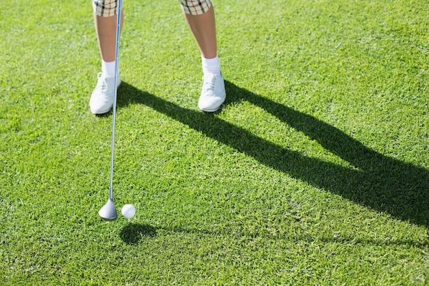 Lady golfista vai sair para o dia