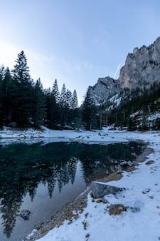 Lago alpin mountain grüner veja na áustria