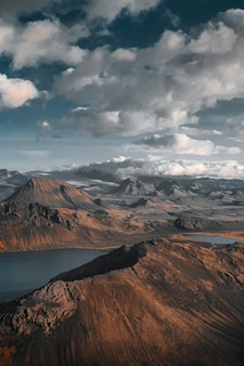 Lago azul perto de landmannalaugar, islândia