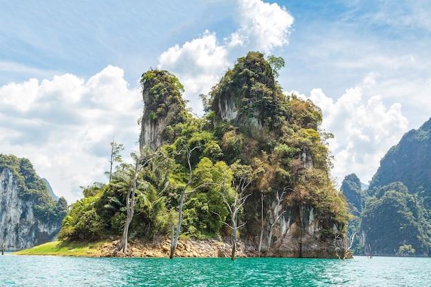 Lago cheow lan, parque nacional khao sok