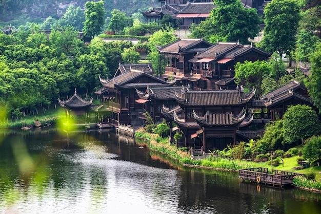Lago da cidade antiga na china