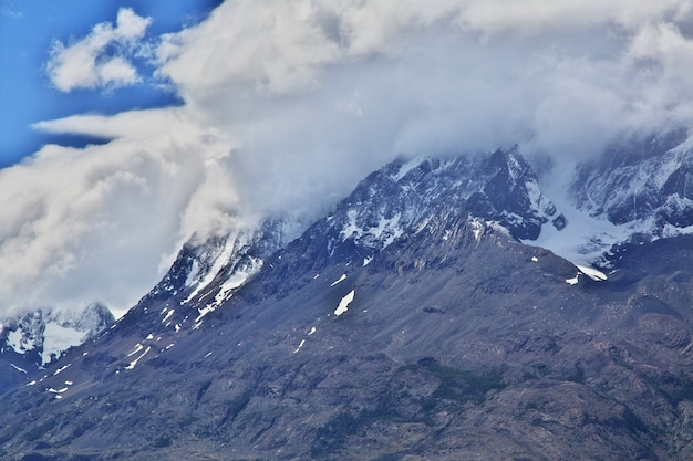 Lago grey no parque nacional torres del paine, patagônia, chile