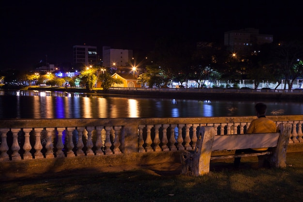 Lago taboao em bragança paulista - são paulo - brasil à noite