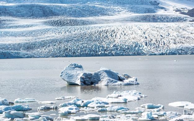 Lagoa da geleira de jokulsarlon, islândia