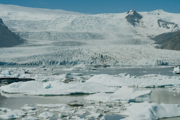 Lagoa da geleira de jokulsarlon, parque nacional de vatnajokull, islândia. foto de alta qualidade