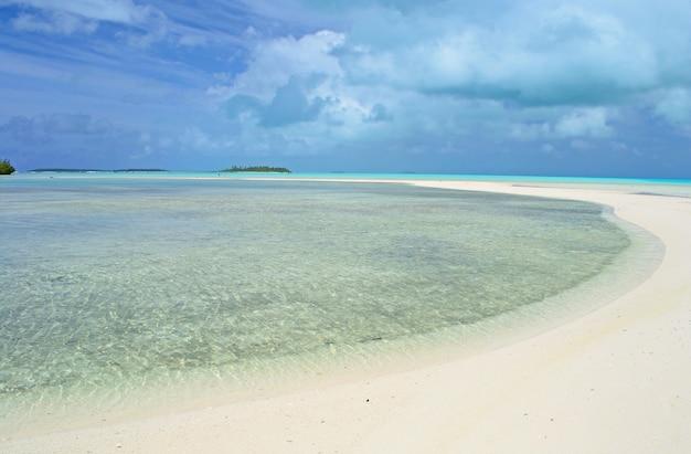 Lagoa de aitutaki e rarotonga, atóis remotos no meio do oceano pacífico, ilhas cook