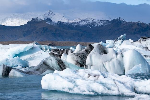 Lagoa glaciar, jokulsarlon na islândia