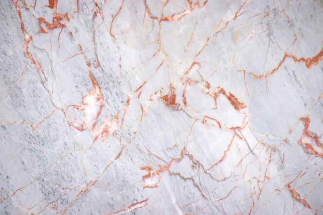 Laje de mármore rachada branca com fundo de textura de padrão de cor de cobre, detalhe do antigo piso da arquitetura