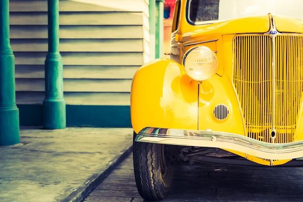 Lâmpada de farol do carro clássico vintage