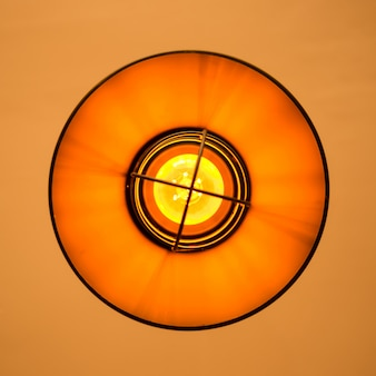 Lâmpada vintage no teto