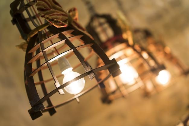 Lâmpadas de ferro antigo