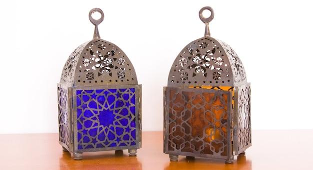 Lâmpadas egípcias - metal e vidro colorido, do cairo