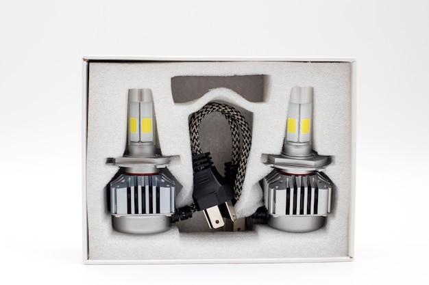 Lâmpadas led para carro em caixa isolada