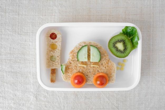 Lancheira de carro, divertido arte de comida para crianças