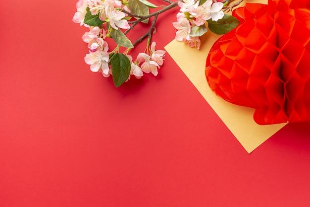 Lanterna com flor de cerejeira ano novo chinês