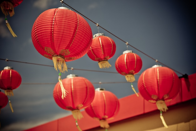 Lanternas de papel chinesas vermelhas