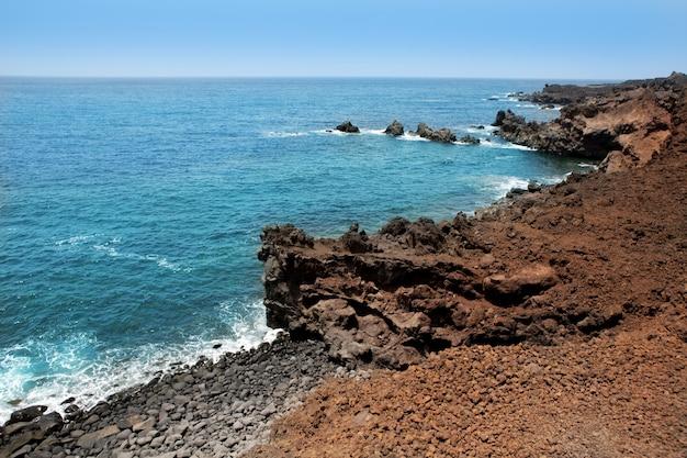 Lanzarote punta del volcan mar atlântico