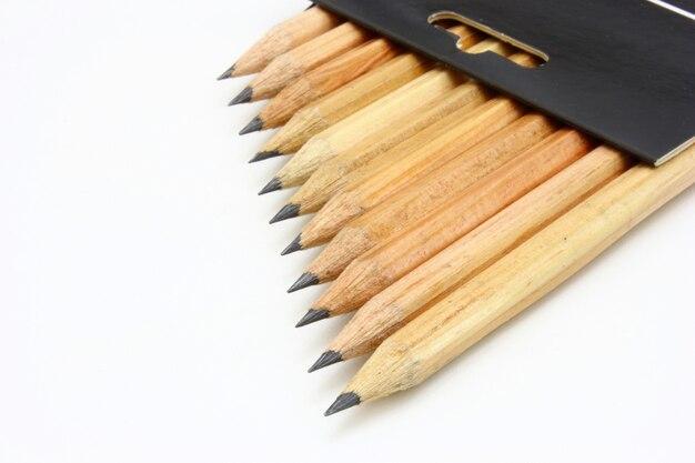 Lápis de cor de madeira isolados