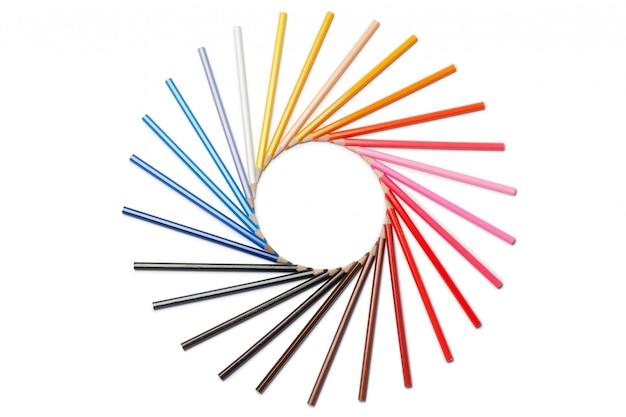 Lápis de cor em círculo