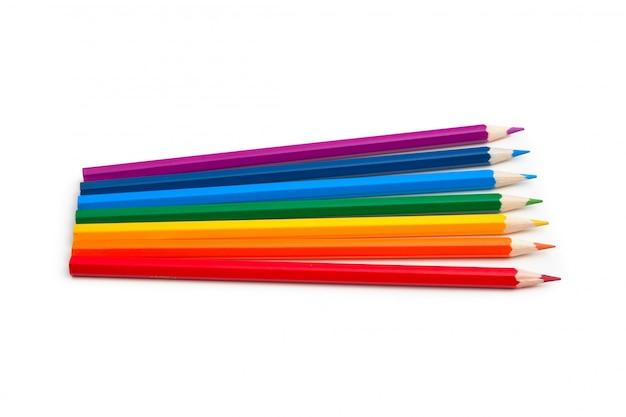 Lápis de cor isolados em um fundo branco