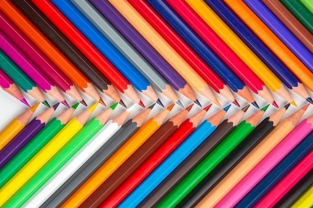 Lápis de cor para desenhar. educação e criatividade. lazer e arte