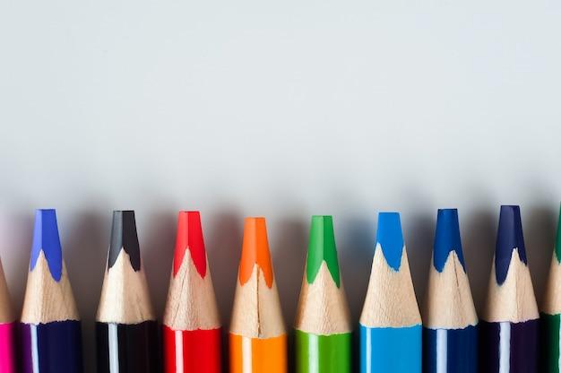 Lápis em um branco