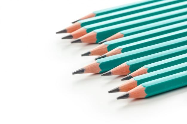 Lápis isolados no branco