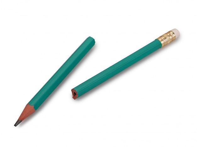 Lápis quebrado em branco isolado