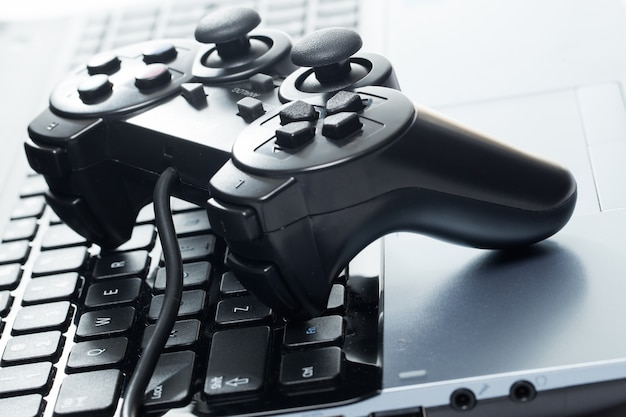 Laptop com joystick
