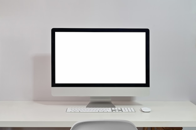 Laptop de maquete na mesa de topo de mesa de espaço de trabalho