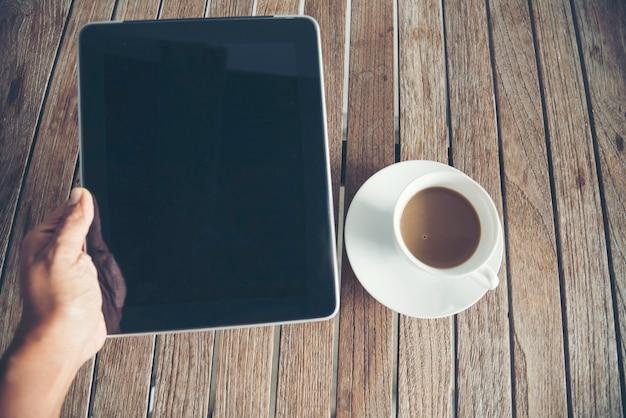 Laptop laptop na mesa do escritório