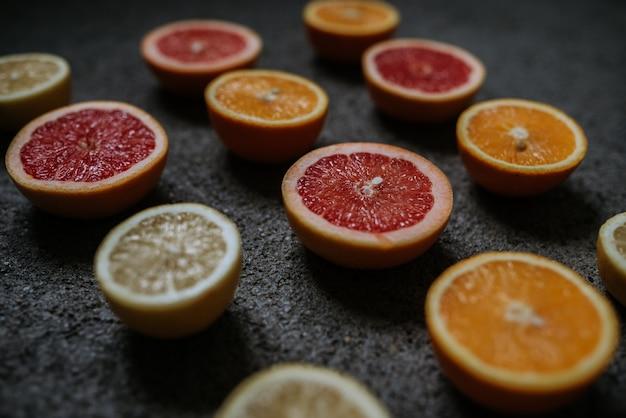 Laranja, limão e grapefruit metades