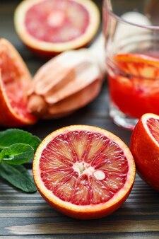 Laranjas vermelhas. sangrentas laranjas da sicília. cozinhar suco fresco