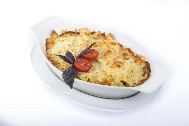 Lasanha de macarrão com queijo