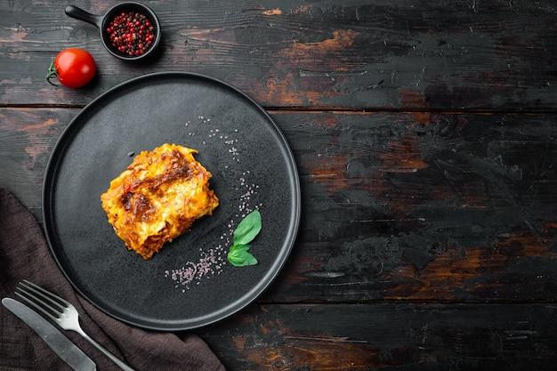Lasanha italiana com molho de tomate à bolonhesa e carne picada de carne bovina