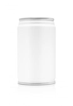 Lata de bebida em branco embalagem isolada
