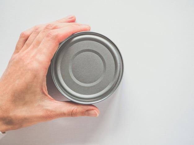 Lata metálica sem etiqueta