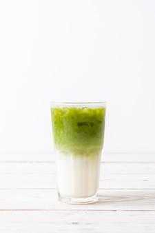 Latte de chá verde matcha gelado