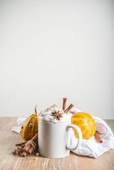 Latte de especiarias de abóbora