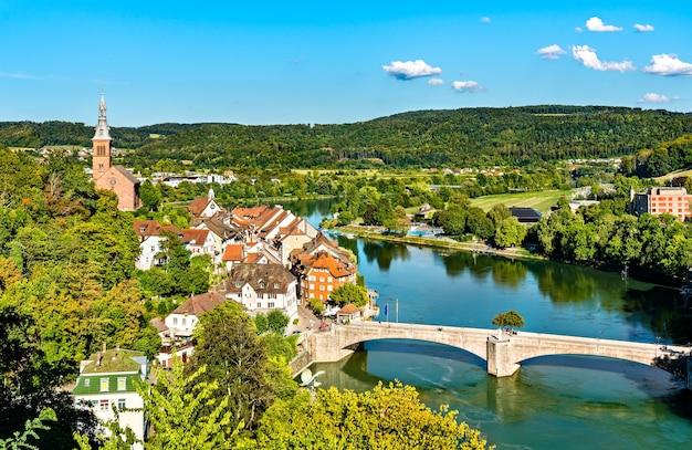 Laufenburg, uma cidade fronteiriça no rio reno, na alemanha