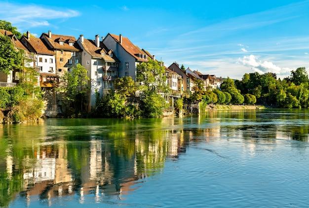Laufenburg, uma cidade fronteiriça no rio reno, na suíça