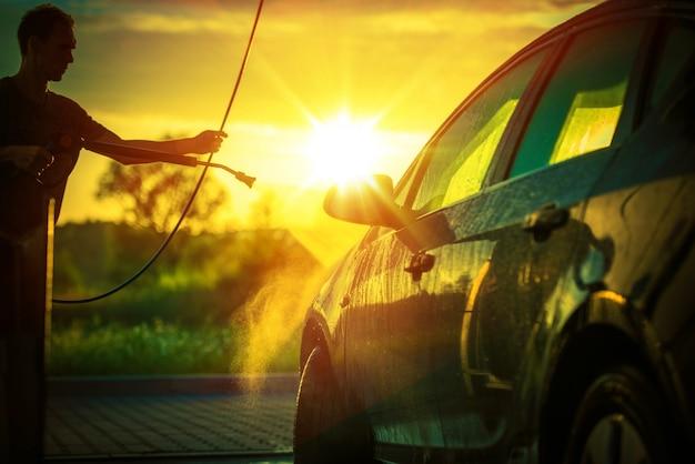 Lavagem de carro de primavera