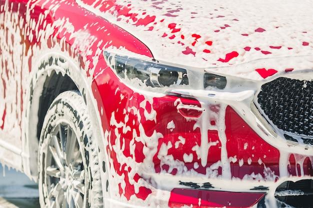 Lavagem e limpeza de automóveis
