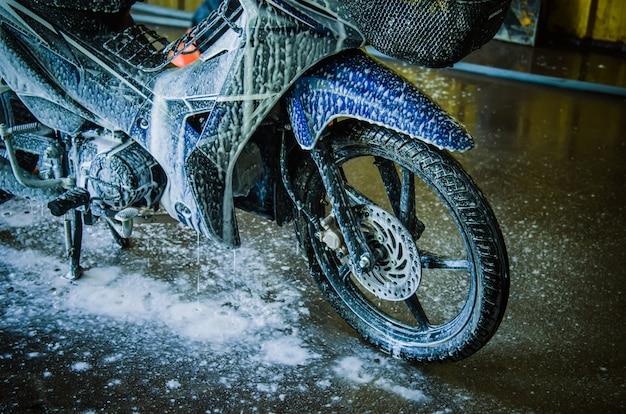 Lavar a motocicleta
