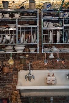 Lavatório na cozinha antiga