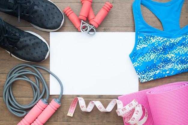 Lay lay of fitness equipment. conceito saudável e de dieta