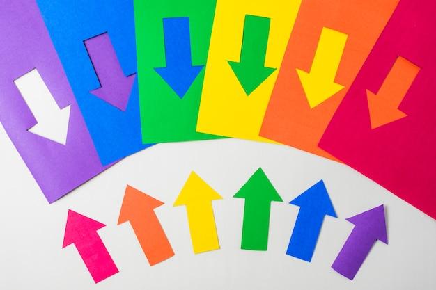 Layout das setas de papel nas cores lgbt