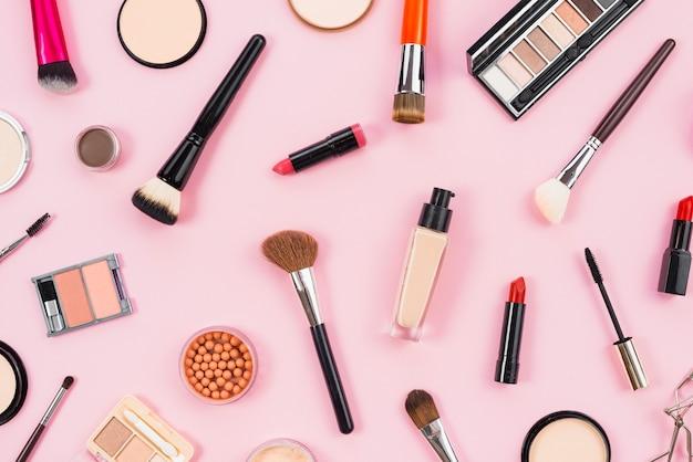 Layout de cosméticos e maquiagem de produtos de beleza