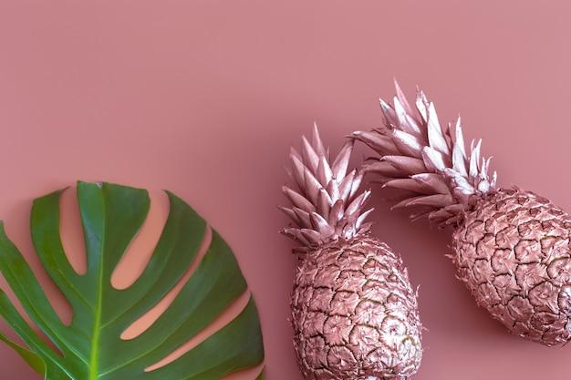 Layout de frutas de verão colorido elegante. moda de verão.