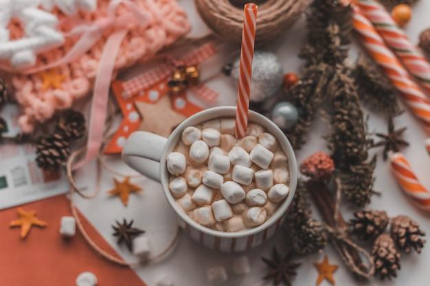 Layout de natal, vista superior, marmelada no café, ambiente aconchegante, decoração de natal